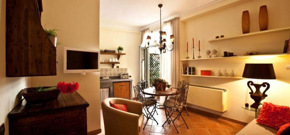 Apartment holiday in rome for Arredamento rustico e moderno insieme